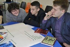 В конце февраля в коворкинге «Трансформация» (г.Сланцы) собрались собеседники 12-17 лет.