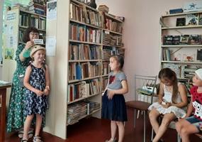 Библиобус ЛОДБ в Кировском районе